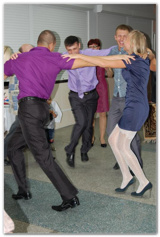 Фото с сайта Серпантин идей https://serpantinidey.ru/ танцевальные конкурсы